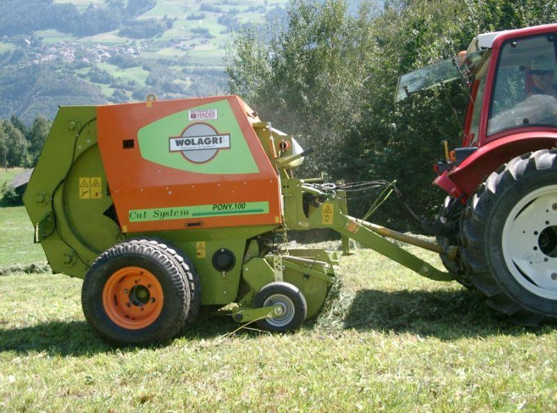טונוטי (Tonutti) האיטלקייה תייצר עבור זטור את המכבשים – בשלב זה בהסתמך על טכנולוגיה איטלקית מוכרת (בתמונה - מכבש תחת המותג Wolagri השייך לטונוטי)