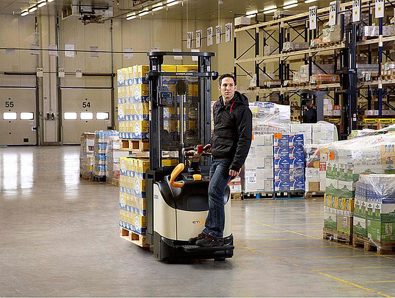 דגמי ה-ESi 4000/ETi 4000 החדשים מאפשרים הנפת 2 משטחים במקביל, עד לגובה מרבי של 5.4 מטרים ובמשקל מרבי של 1.6 טון