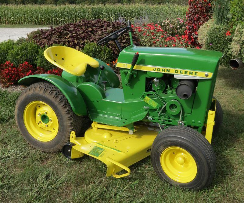 ג'ון דיר 110 מ-1963. רק 1,000 יוצרו באותה השנה
