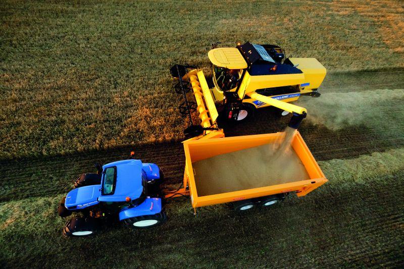 נפח מיכלי הזרעים בסדרה TC5000 הוא 5,200 ליטר (ב-TC5060) או 6,400 ליטרים (ב-TC5070 וב-TC5080)