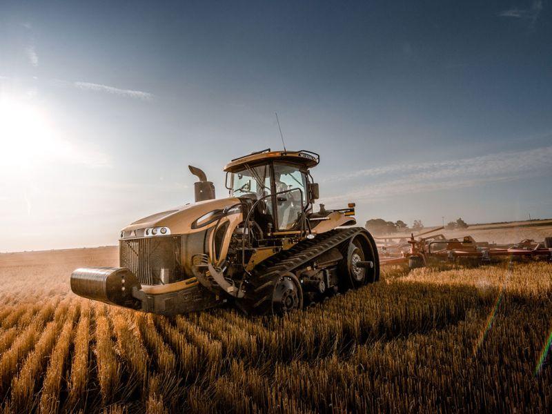 """צ'לנג'ר MT875E הוא כיום הטרקטור החקלאי השלישי בהספק מנועו בייצור סדרתי, עם 'פיק' של 640 כ""""ס"""
