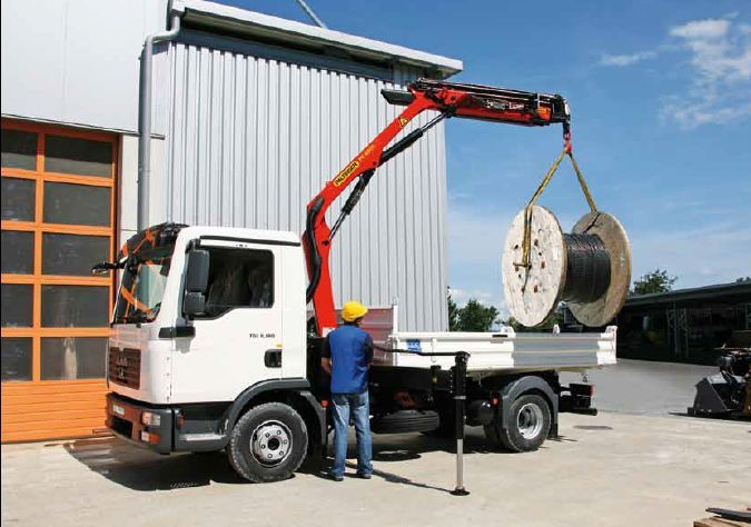 מנוף להתקנה על משאית מתוצרת פלפינגר