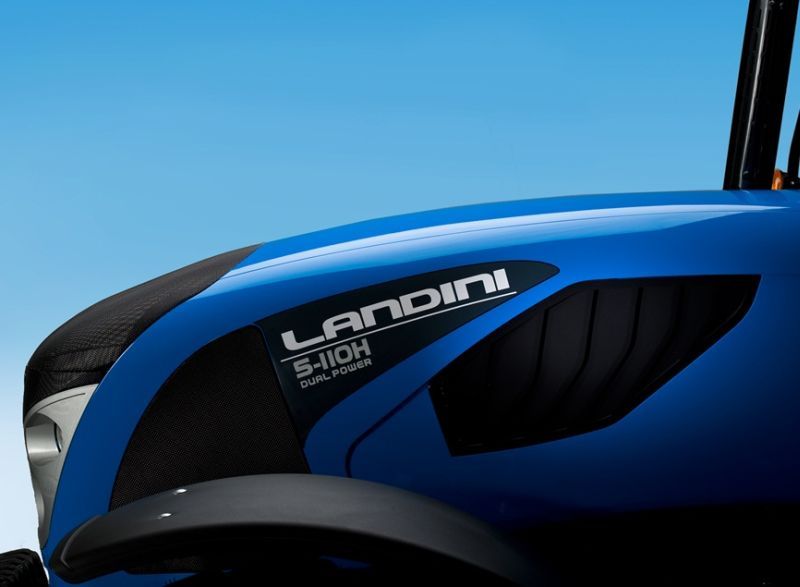 לנדיני סדרה 5-H החדשה: חופת המנוע עוצבה מחדש וכוללת עתה – יחד עם ממדי המנוע שהצטמקו – חלל פנימי ופתחי אוורור גדולים יותר, לטובת אוורור וצינון יעילים יותר של המנוע, בעיקר בתנאי עומס וחום גבוהים