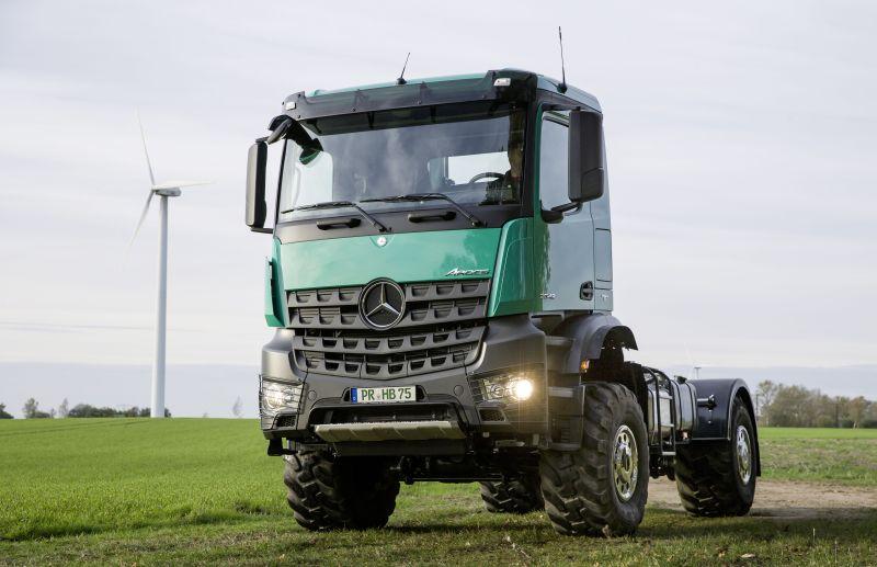 משאית מרצדס בנץ ארוקס 2042AS