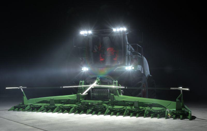 דגמי ה'קטנה' החדשים של פנד מצוידים במערכת תאורה רבת עוצמה ויעילה, המבטיחה אפשרות עבודה מלאה גם בלילה