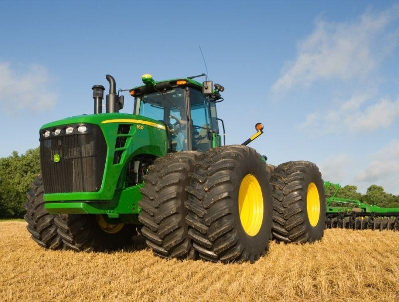 ג'ון דיר מובילים את השוק כמותג הנמכר ביותר. גם הכלי הגדול ביותר שנמכר ב-2013 הוא ירוק - 9630 אחד קיבל מספר צהוב