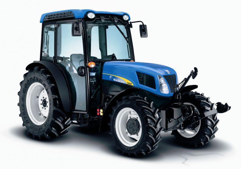 ניו הולנד הנמכר ביותר ב-2013 היה ה-T4050F. למעשה, למרות היצע מכובד של כלים כבדים שיש ליצרן, בישראל מדובר במותג של כלים קומפקטיים בלבד עם מכירות רק של הסדרות T4 ו-T5