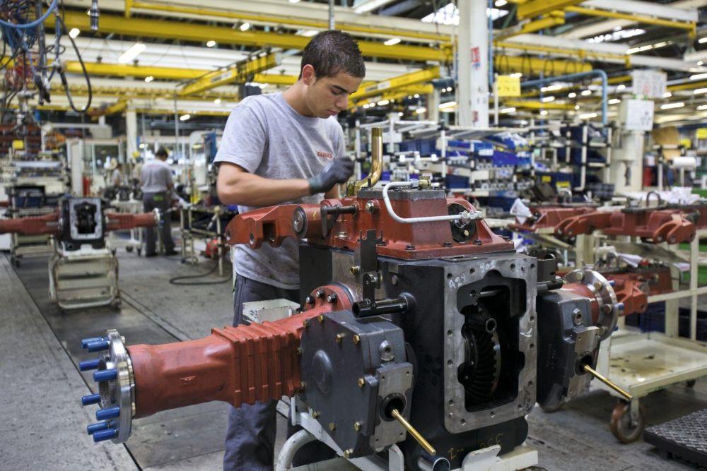 מפעל ייצור של קלאאס ליד לה-מאן שבצרפת