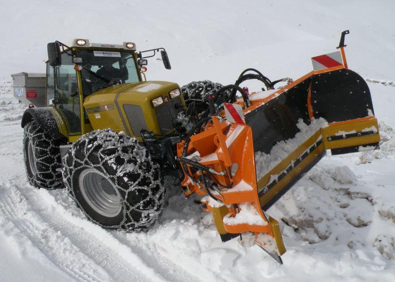 ריגיטראק SKH95. כלי רב יכולות שהפך לחביב רשויות מוניציפאליות בשוויץ ובמדינות שכנות, הודות ליכולות חסרות התחרות לתפקד בכל תנאי אקלים ושטח
