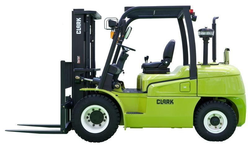 מלגזות קלארק מסדרה C40-55 מותאמות להרמת מטענים בטווח המשקל שבין 3.6 ועד 5.0 טון