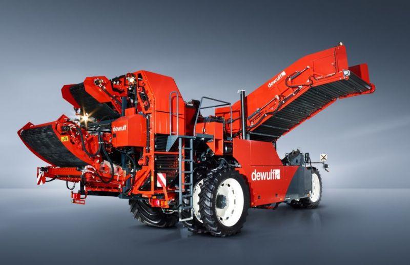 """קומביין תפו""""א החדש – Dewulf R3060 – מצוייד בגרסתו העדכנית במנוע סקניה עם 350 כ""""ס, העומד בתקני Tier 4"""