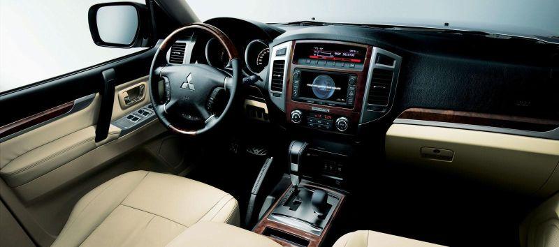 Mitsubishi Pajero 20155