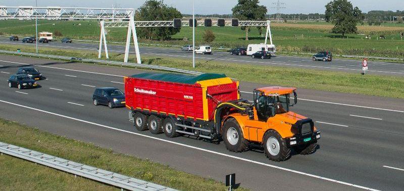 """טרקטור Hovertrack Luctor 522 עם נגרר Rapide 8400RS - עד 80 קמ""""ש בכביש המהיר (עם 26 טון בנגרר...)"""