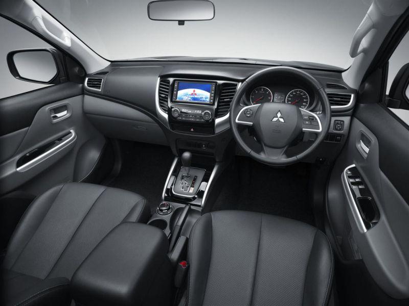 Mitsubishi Hunter 2015