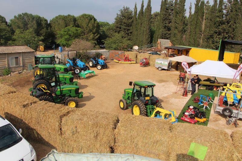 תערוכה חקלאית במוסך מרכבה
