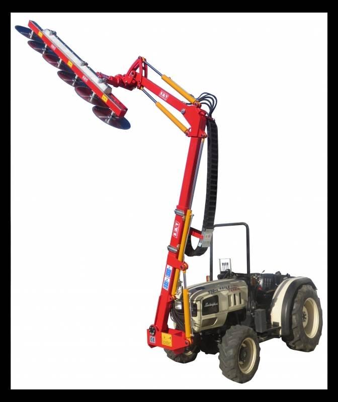 FLHD 900 - מכונה לגיזום ועיצוב עצים במטע