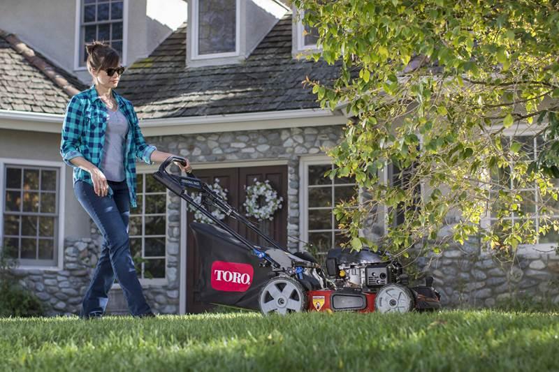 מכסחת דשא טורו Recycler Personal Pace mower