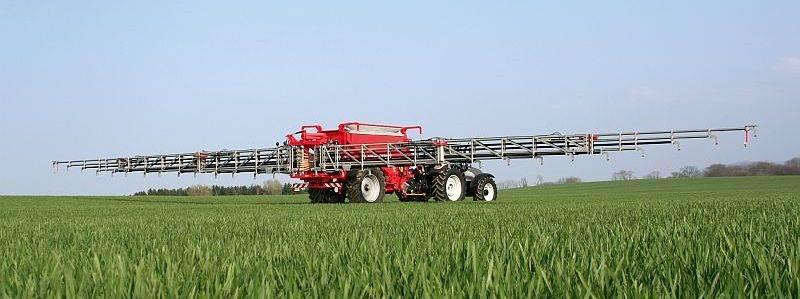 Kuhn 36m AGT pneumatic fertiliser spreader1