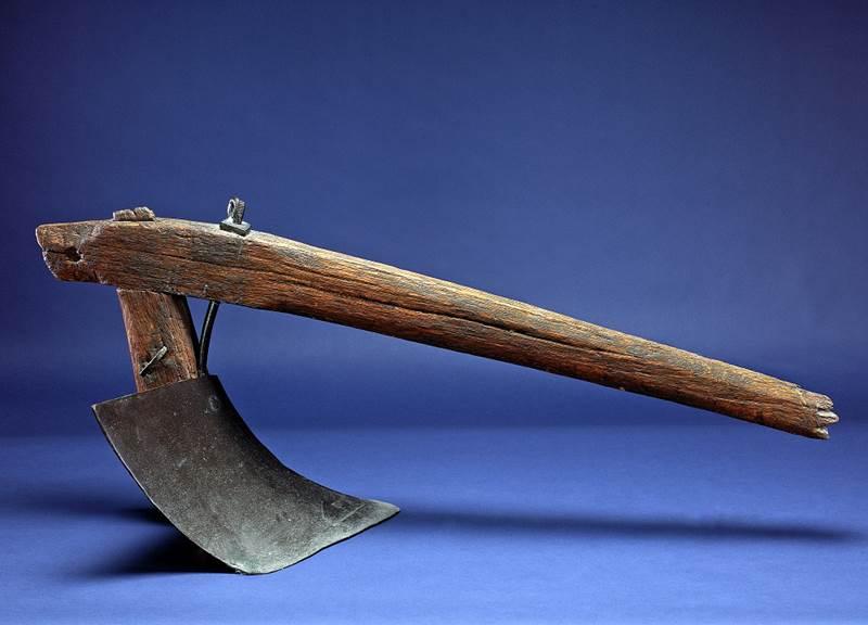 השריד הקדום ביותר של המחרשה של ג'ון דיר – מ-1838, העיצוב והייצור איתם קנה את עולמו – ואת הונו, נמצא כיום ב-Smithsonian National Museum בוושינגטון, מתנת חברת ג'ון דיר למוזיאון