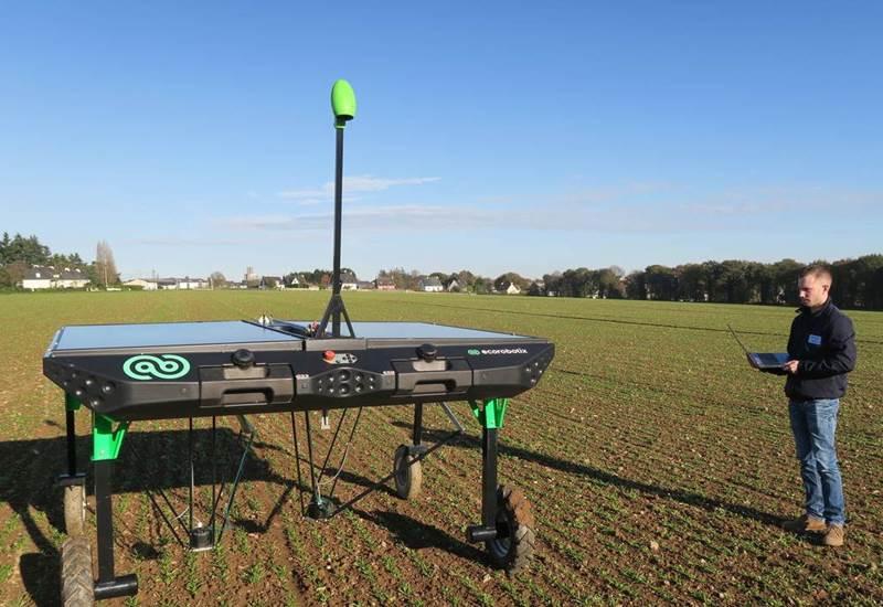 רובוט חקלאי ecorobotix