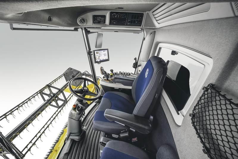 קומביין ניו הולנד CX6.80